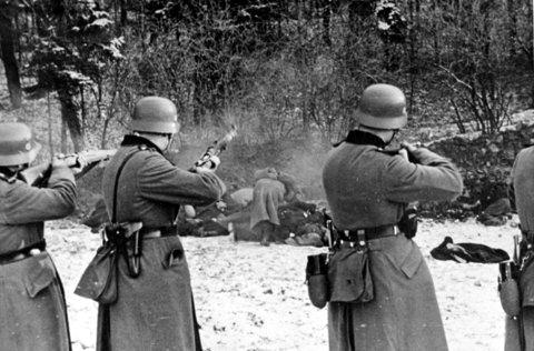 Execution of 56 Polish citizens; Wikimedia Commons