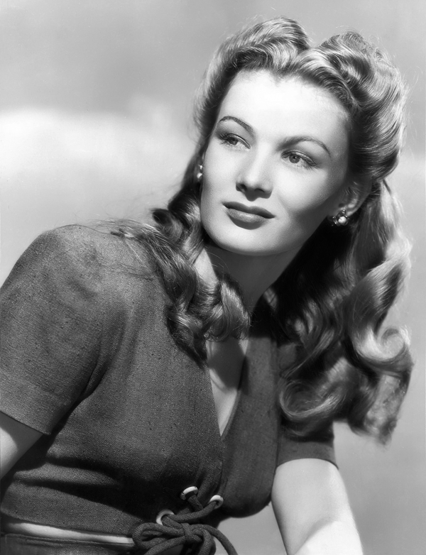 Veronica Lake's Safe Hair Style – 1942