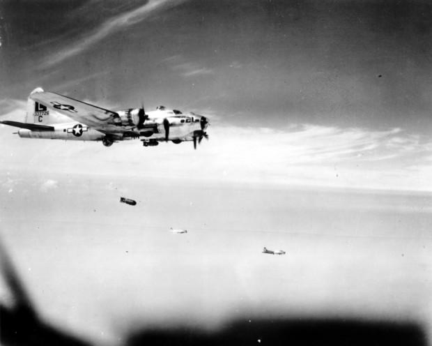 B-17; Wikimedia Commons
