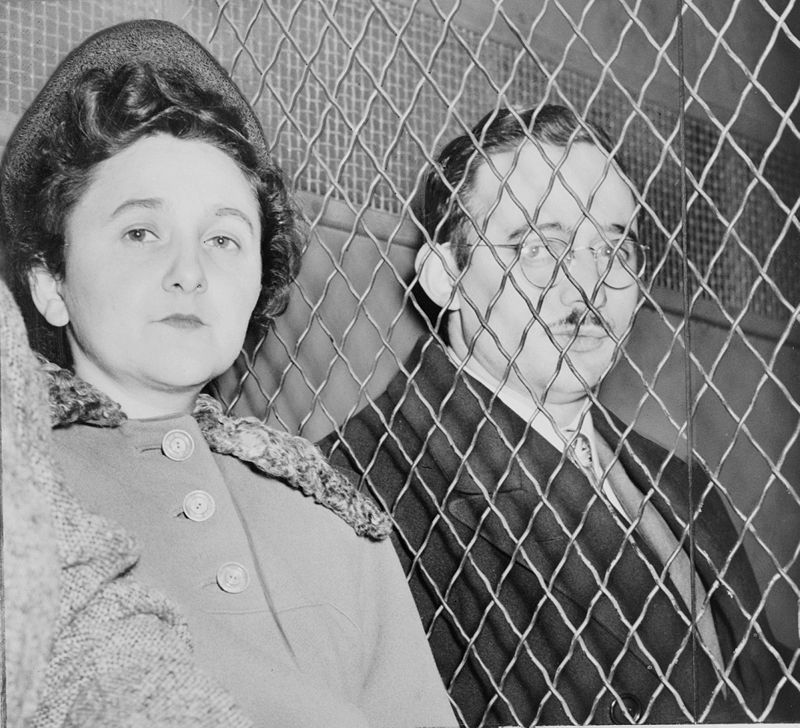 Rosenbergs sentenced to death for espionage