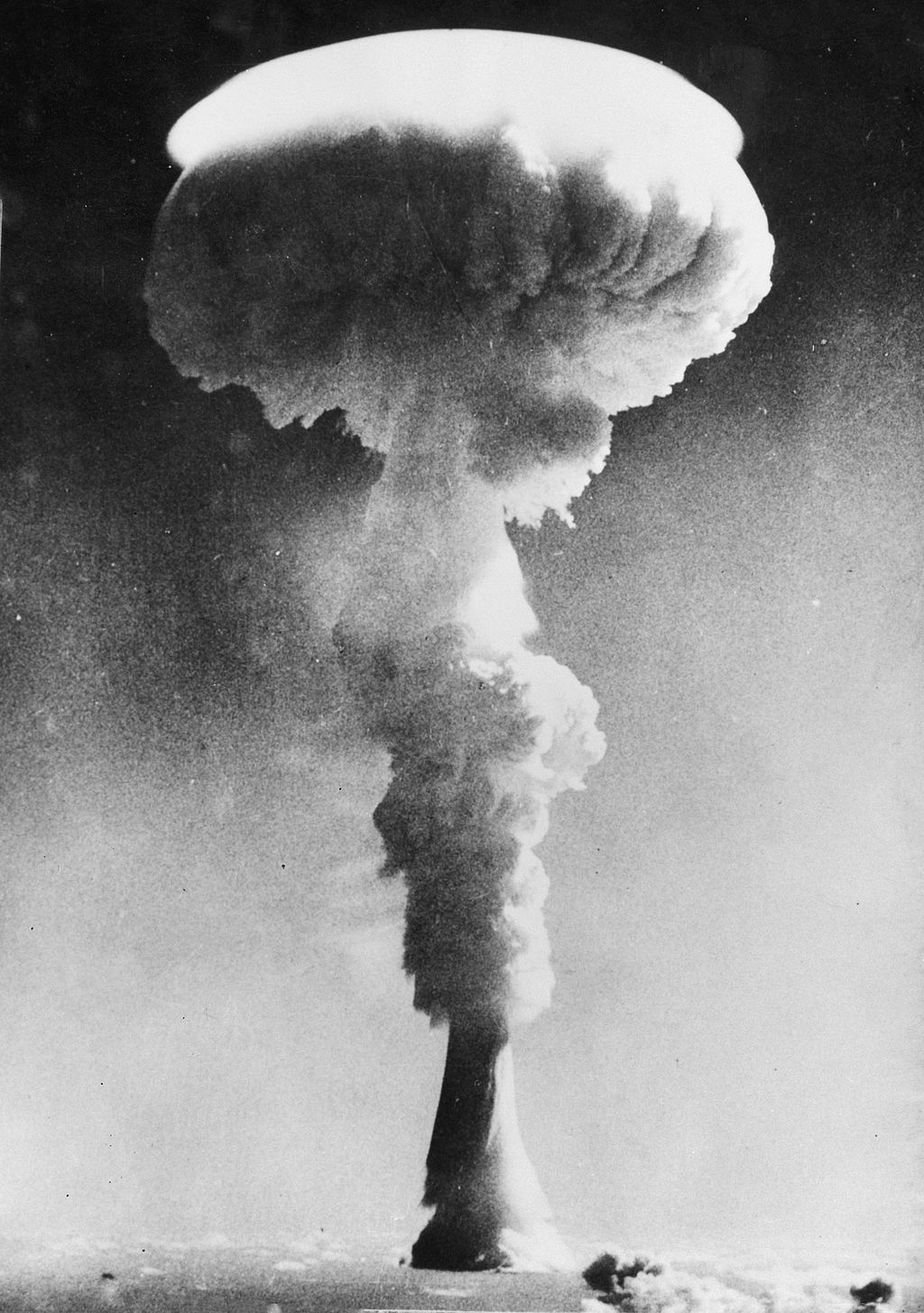 Britain Decides to Develop Thermonuclear Weapons